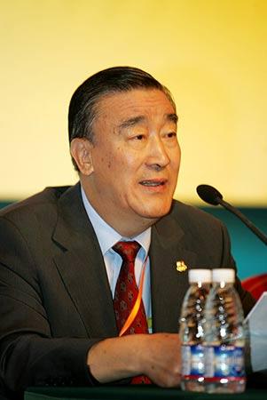中国奥委会副主席屠铭德