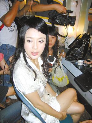 秦岚否认了与黄晓明的绯闻,却被搭档捅了出来