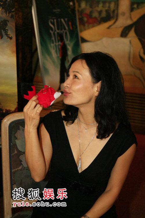 两大热门片的女主角,陈冲向搜狐讲述了自己的观点