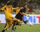 图文:欧冠塞维利亚4-1雅典AEK 关门夹抢