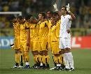 图文:欧冠塞维利亚4-1雅典AEK 主队哀悼普埃塔