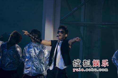 即将再次回到上海舞台上的张杰