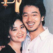 张晨光&谢美惠 张晨光赚钱全进老婆口袋,谢美惠能干又会理财,夫妻互补。