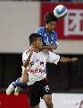 图文:[中超]辽宁0-0天津泰达 于汉超争顶