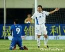 图文:[中超]厦门0-1上海 邹侑根跪地不起