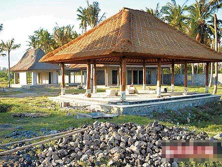 红姑夫妇在峇里岛兴建的度假别墅已略具雏形。