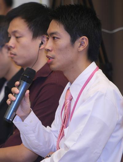 图文:残奥会筹办工作发布会 香港无线电视记者