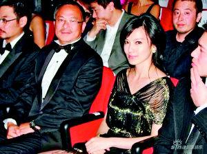 杜琪峰携主创出席首映