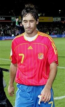 劳尔迄今最后一次代表国家队出战,西班牙2-3不敌北爱尔兰