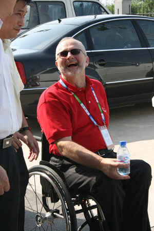 图文:残疾人训练基地人物篇 克雷文露出笑脸