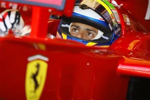 图文:[F1]意大利站首次练习 马萨关注成绩