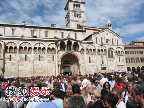 搜狐前方报道团特意前往帕瓦罗蒂在意大利的家乡摩德纳