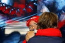 图文:[F1]意大利站末次练习 马萨与主席拥抱