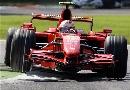 图文:[F1]意大利站正赛 莱科宁驶过路肩