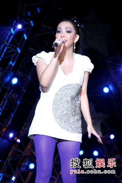 搜狐娱乐讯:日前,张惠妹在台湾盛大举办