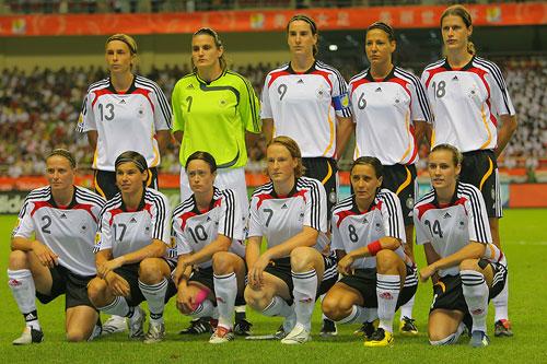 图文:[女足]揭幕战德国VS阿根廷 德国队首发