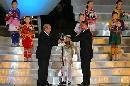 图文:[女足]世界杯开幕 圣球传递