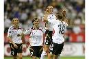 图文:[女足]世界杯揭幕战 施特格曼高高跃起庆祝