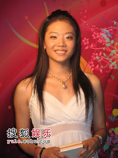 前世界体操冠军杨云