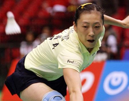 图文:日本羽毛球公开赛首轮 张宁精彩回球