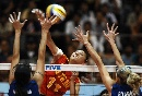 图文:女排亚锦赛中国队胜哈萨克斯坦 队员扣球