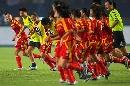 图文:[世界杯]中国3-2丹麦 感谢球迷的支持