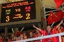 图文:[世界杯]中国3-2丹麦 老球迷热情不减