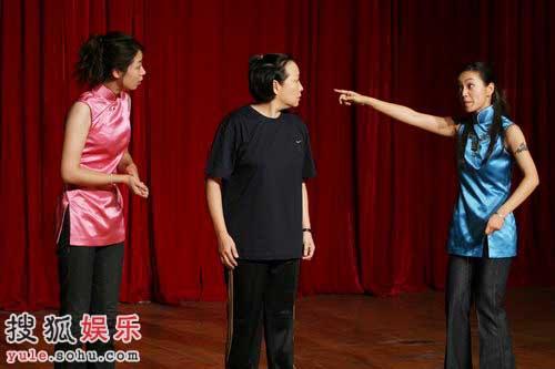 阿雅、方芳、杨婷的精彩演出