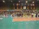 图文:中国女排对阵泰国赛前图 赛场内气氛热烈