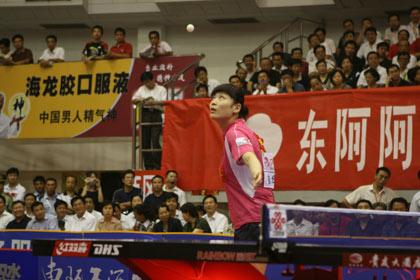 图文:乒超收官北京3-0山东 姜华珺发球