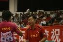 图文:乒超收官北京3-0山东 李晓霞接受指导