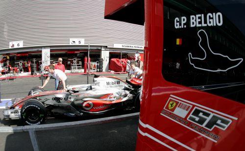 图文:[F1]比利时大奖赛赛前 迈凯轮与法拉利