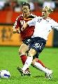 图文:[世界杯]德国VS英格兰 琳戈比赛中拼抢