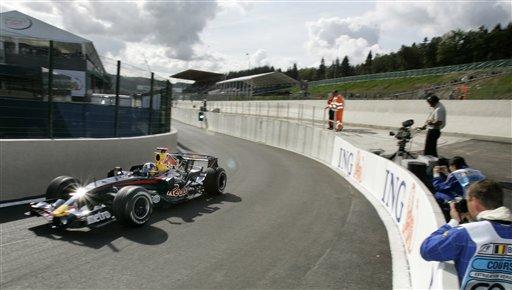 图文:[F1]比利时站末次练习 库特哈德驶上赛道