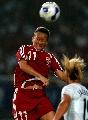 图文:[世界杯]丹麦VS新西兰 丹麦队员头球争顶