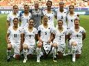 图文:[世界杯]丹麦VS新西兰 新西兰首发合影