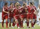 图文:[世界杯]丹麦VS新西兰 丹麦队员庆祝进球