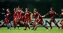 图文:[世界杯]丹麦VS新西兰 丹麦队员庆祝胜利