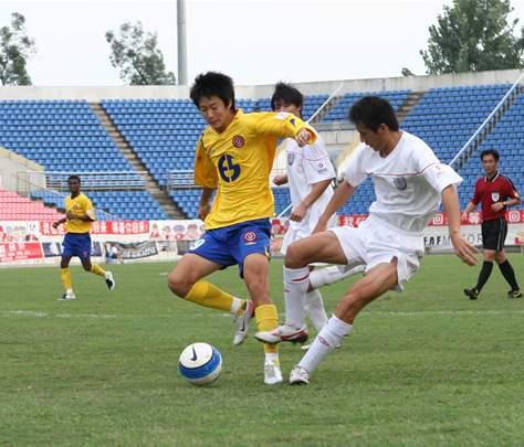 图文:[中甲]成都6-1南京有有 姜骁宇表现出色
