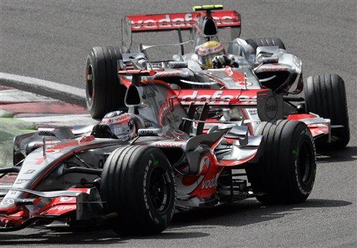 图文:[F1]比利时站正赛 汉密尔顿正在比赛中