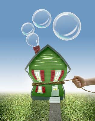 格林斯潘首次承认美国住宅市场存在泡沫。华盖图