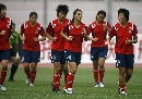 图文:女足在天津备战生死战 队员慢跑放松