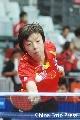 图文:亚乒赛中国女团3-0泰国 张怡宁台上搓球