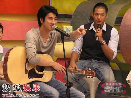 王力宏与学员飙英文歌