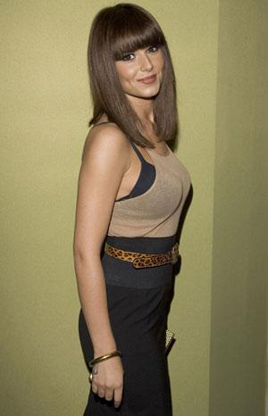 小媳妇三级片_科尔小媳妇美丽优雅 当选2007年世界最性感女性