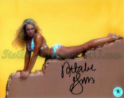 图文:性感美女古尔比斯写真 泳装上阵凹凸毕现