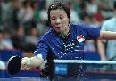 图文:女团决赛中国3-0新加坡 王越古正手抽球