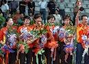 图文:女团决赛中国3-0新加坡 中国队登领奖台