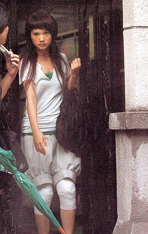 杨丞琳上街时的装扮很养眼