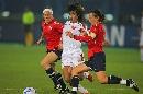 图文:[世界杯]中国0-1挪威 韩端遭遇围堵